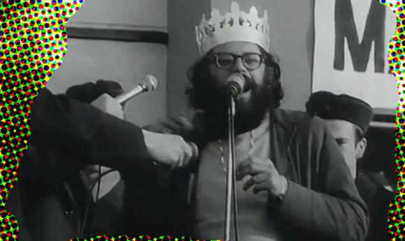 Allen Ginsberg podczas pobytu w Pradze w 1965 roku.