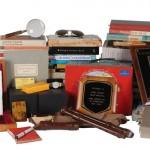 Wystawił na sprzedaż rzeczy znalezione w śmieciach Johna Updike?a