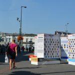 Multimedialne regały znów na ulicach miast! Ruszyła 3. edycja Kultury Na Widoku