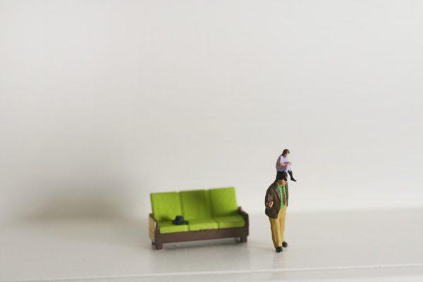 diorama-czlowiek-zona-blisko