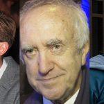"""Dan Stevens, Jonathan Pryce i Christopher Plummer w filmie o okolicznościach powstania """"Opowieści wigilijnej"""" Dickensa"""