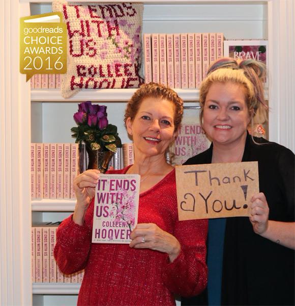 "Colleen Hoover dziękuje za nagrodę w kategorii ""romans""."