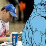 Geoff Johns powraca do pisania komiksów. Doktor Manhattan zagości w uniwersum DC na dłużej?