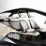 W przyszłości będziemy wyposażać samochody w podręczne biblioteczki? BMW prezentuje projekt wnętrza futurystycznego pojazdu