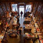 Czytelnicy uwielbiają papier! Od trzech lat w USA wzrasta sprzedaż tradycyjnych książek