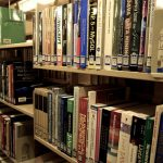 Nowozelandzka biblioteka rozwiązała zagadkę znikających książek. Chowali je sobie na następny dzień bezdomni
