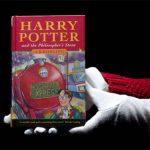 """Pierwsze anglojęzyczne wydanie książki """"Harry Potter i Kamień Filozoficzny"""" z nowym rekordem cenowym"""
