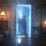 """""""Za niebieskimi drzwiami"""" ? filmowa adaptacja powieści młodzieżowej Marcina Szczygielskiego na płytach od 22 listopada"""