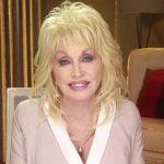 Organizacja charytatywna Dolly Parton rozdała dzieciom 100 milionów książek