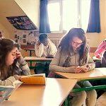 Belgijska szkoła chce rozbudzić w uczniach miłość do literatury: wprowadziła kwadrans czytania podczas lekcji