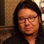 """Autor powieści """"Bajecznie bogaci Azjaci"""" ścigany w Singapurze za niewypełnienie obowiązku służby wojskowej"""