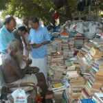 W wieku 95 lat zmarł najstarszy uliczny księgarz w Indiach. Był analfabetą, ale słynął z tego, że potrafił zdobyć dla klienta niemal każdą książkę
