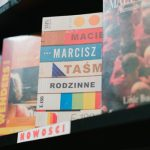 """Emocjonalne długi (nie)dorosłych ? recenzja książki """"Taśmy rodzinne"""" Macieja Marcisza"""