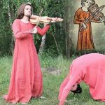Czescy studenci odtworzyli najdziwniejsze ilustracje z średniowiecznych ksiąg