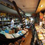 Jedna z najsłynniejszych europejskich księgarni, wenecka Acqua Alta, została dotkliwie zalana. Setki książek uległy zniszczeniu