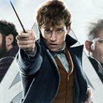 """Warner Bros. próbuje ratować serię """"Fantastyczne zwierzęta"""". Premiera trzeciego filmu przesunięta, a do J.K. Rowling dołączył drugi scenarzysta"""