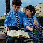 Naukowcy twierdzą, że wzrost dziecka ma związek z… liczbą książek posiadanych w domu