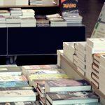 Podręczniki poratowały we wrześniu budżety księgarń i zdominowały listę bestsellerów