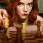 """""""Gambit królowej"""" najpopularniejszym miniserialem w historii Netfliksa. Seans już za tobą? Sięgnij po pierwowzór literacki"""