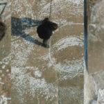 Monumentalny portret José Saramago wykuto w betonie obmywanym falami oceanu