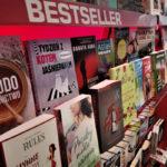 W 2020 roku Poczta Polska sprzedała 3 miliony książek. Jakie publikacje najczęściej kupowali klienci?