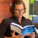 """Matthew McConaughey po raz kolejny wcieli się w prawnika Jake'a Brigance'a? HBO planuje serialową ekranizację powieści """"A Time for Mercy"""" Grishama"""
