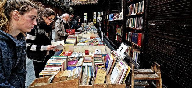 Książki dobre na lockdown. 81% czytelników z Hiszpanii przyznaje, że czytanie pomogło im przetrwać izolację